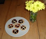 Got left over pastry? Make Jam Tarts!